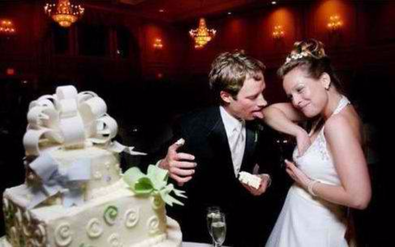 21 epic wedding photo fail grooms and brides should avoid
