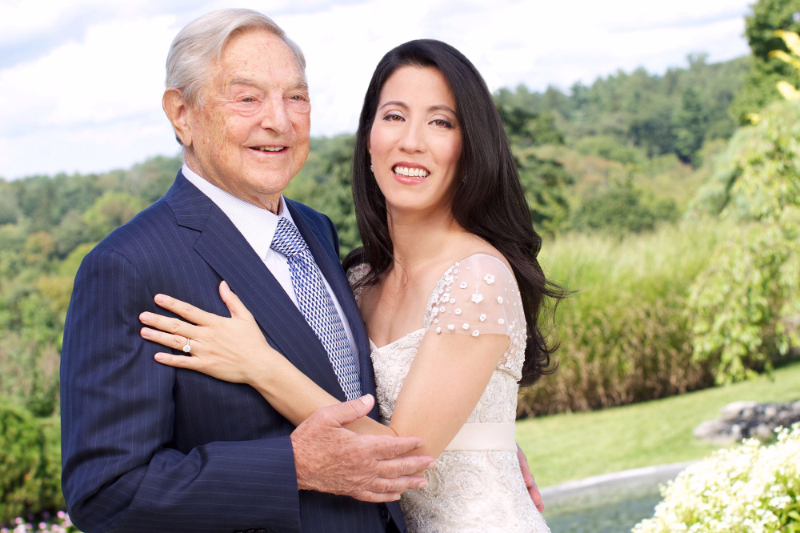 18 Wives & Girlfriends of 30 Richest Men in the World